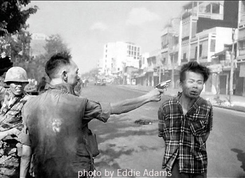 Murder of A Vietcong by Saigon Police Chief. By Eddie Adams (Vietnam, 1968) Associated Press