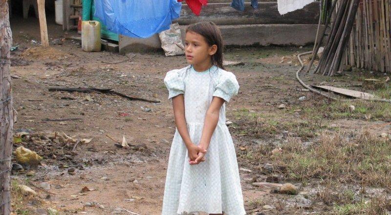 Little girl in Nuevo Milenio
