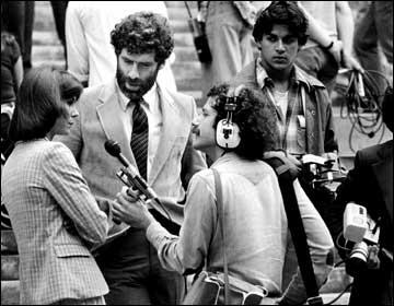 Jim Metzner recording Kate Jackson and Elliot Gould on movie set