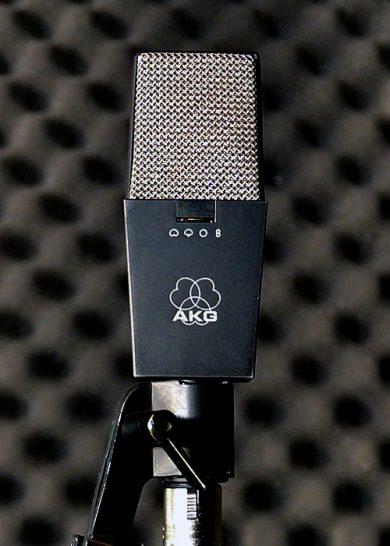 AKG 414