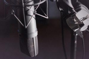 Narrating To An Audience